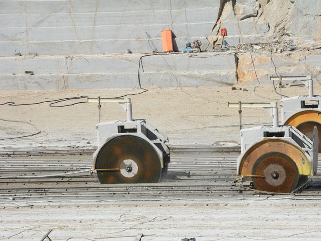 花岗岩现场施工图片